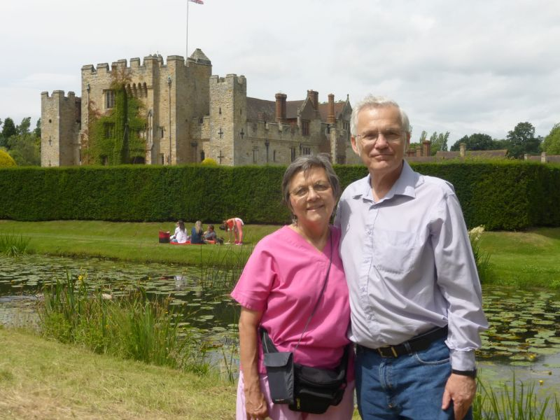 201607.09i Hever Castle with Suzanna and Richard (1)